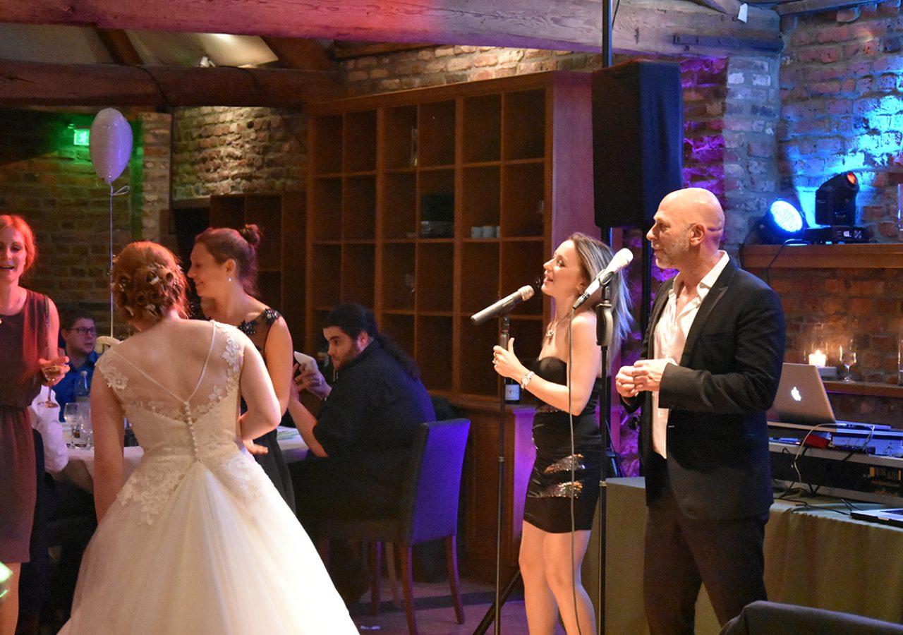 Sänger Mark Daviz und Maria Baimler